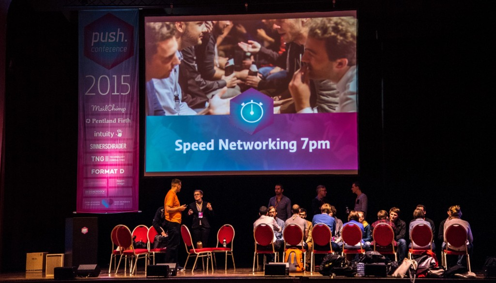 Networking auf der Konferenzbühne