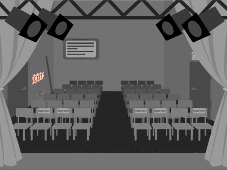 Großer Raum mit Scheinwerfern und Stühlen